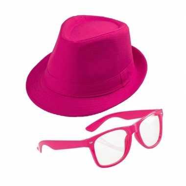 Originele roze verkleedset trilby hoed zonnebril carnavalskleding