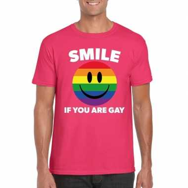 Originele smile if you are gay emoticon shirt roze heren carnavalskle